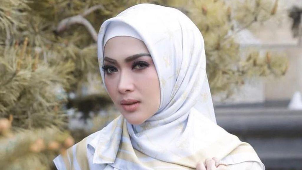 Syahrini Tanya ke Ustad Abdul Somad soal Calon Suami dan Hijab