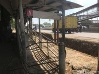 JPO Jembatan Gantung di Jakarta Barat rusak berat belum diperbaiki