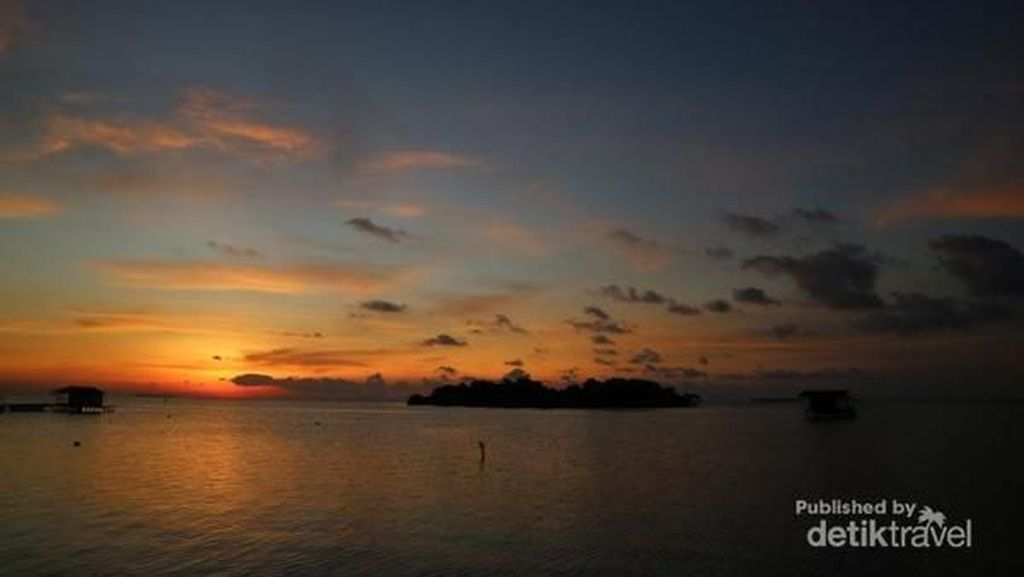 Suasana Ngabuburit di Pulau Karimunjawa dan Mei Bulan Terbaiknya