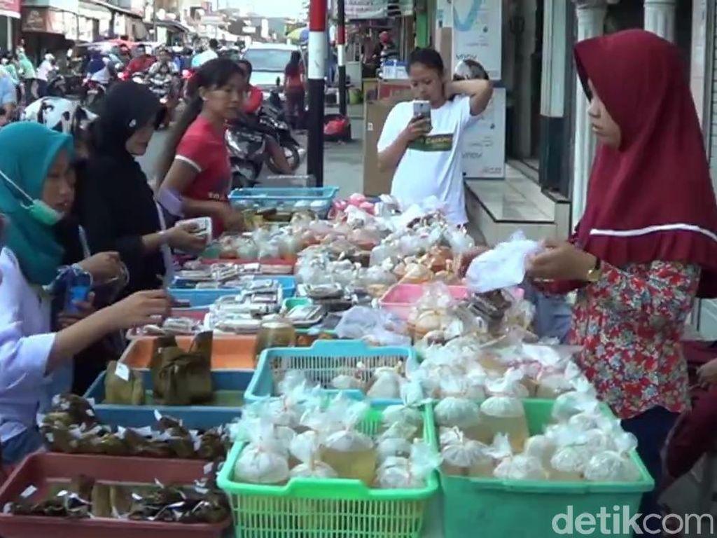 Menengok Pusat Takjil di Bazar Ramadan Pandaan Pasuruan