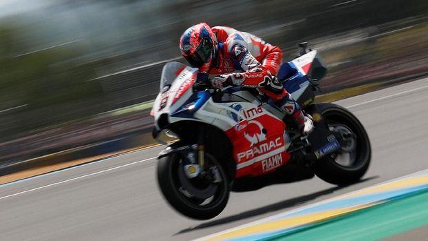 Danilo Petrucci saat beraksi di Le Mans bulan Mei. REUTERS/Gonzalo Fuentes