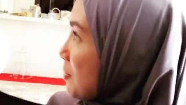 Tak hanya Inara, Ussy Sulistiawaty juga tampil Bercadar