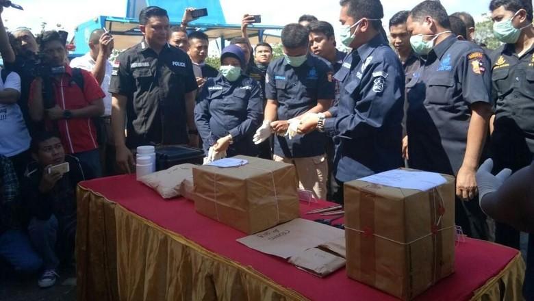 Polda Sulsel Musnahkan Sabu 6 Kg Jaringan Malaysia
