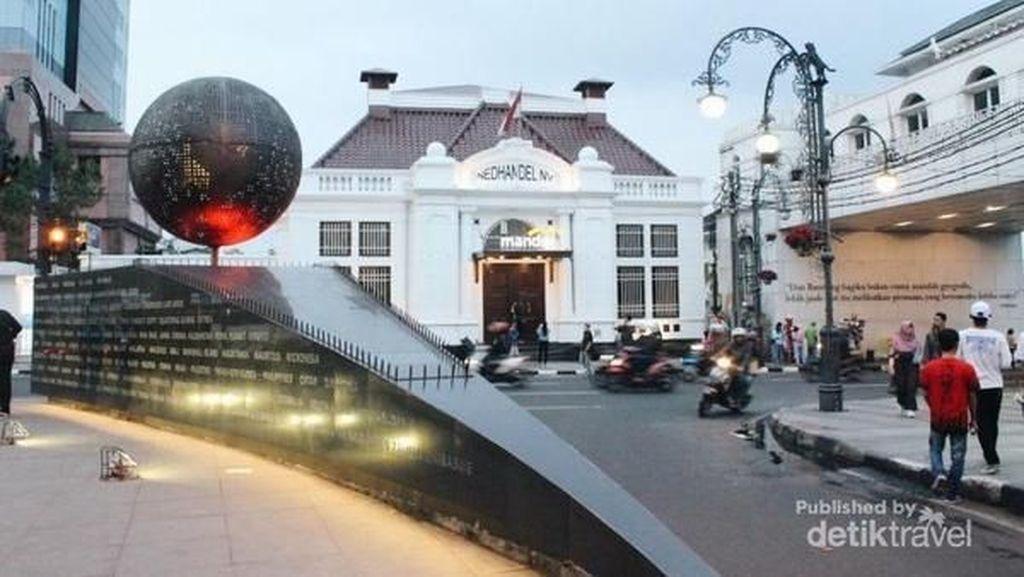 6 Alasan Ngabuburit di Alun-alun Bandung