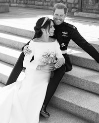 Pasangan pengantin baru bergelar The Duke and Duchess of Sussex.