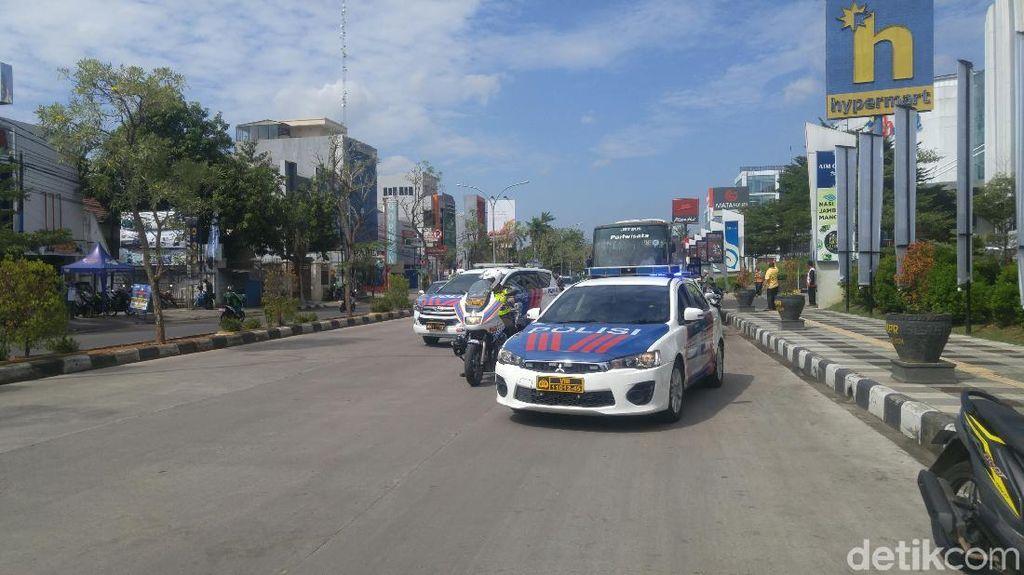 Simulasi Kepolisian Antar-Jemput Atlet ke Venue Asian Games 2018