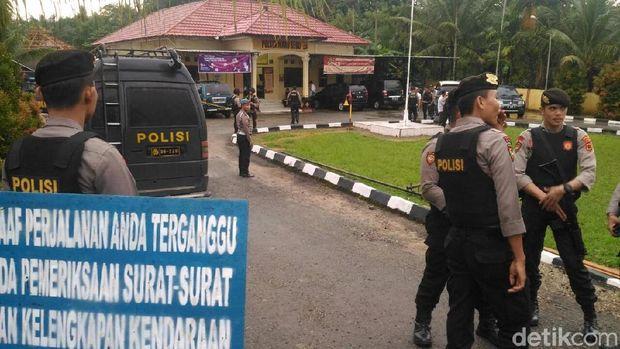 Polsek Maro Seb, Jambi, diserang pria berparang, Selasa (22/5/2018)