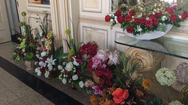 Rumah Jabatan Gubernur Sulsel: Kamar Sukarno, Bunga dan Mistik
