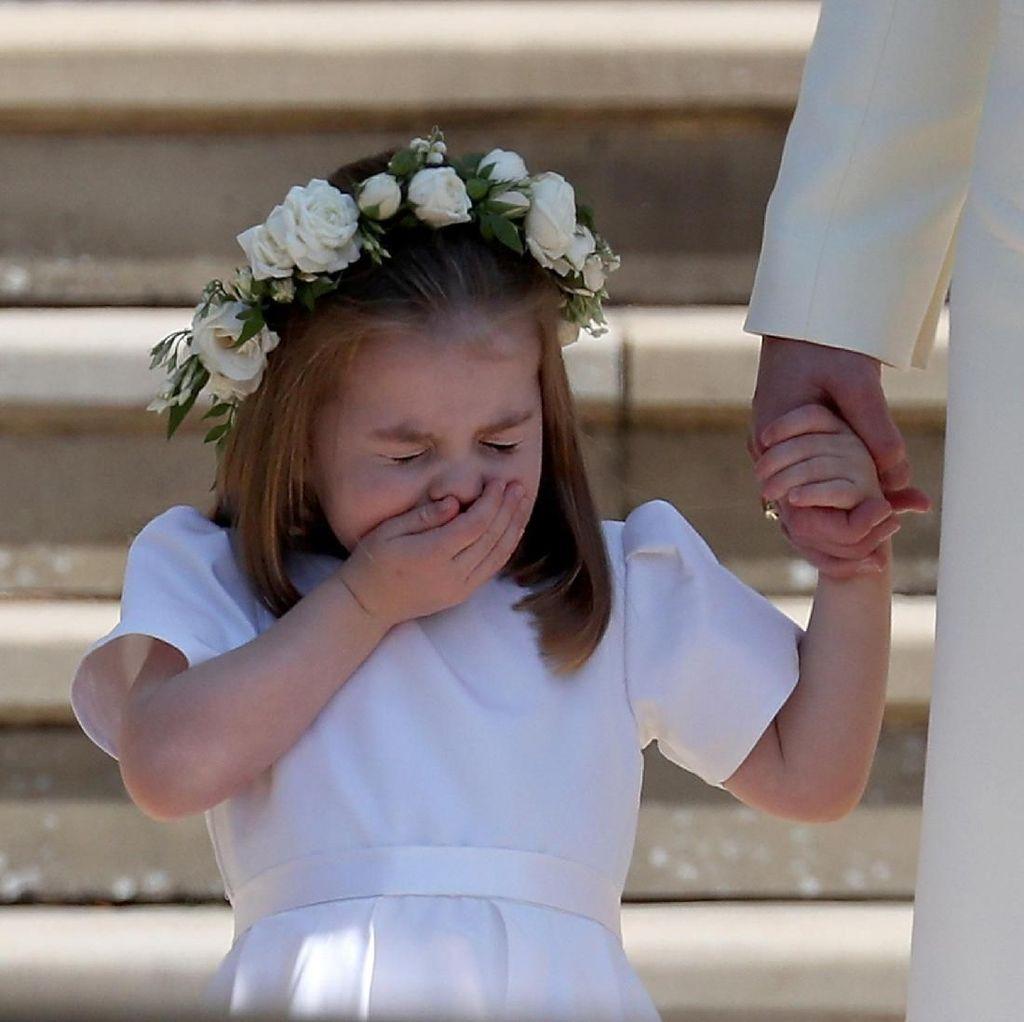 Ekspresi Bersin Putri Charlotte yang Menggemaskan Banget