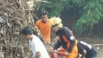 Heboh Naruto Ikut Warga Bersih-bersih Bengawan Solo