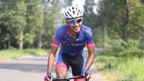 Aiman Cahyadi Nyaman Beradu Nyali di Jalan Raya Dengan Sepeda