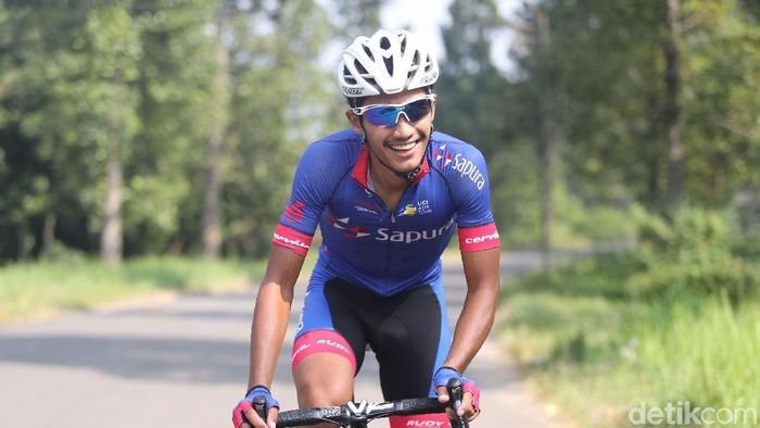 Atlet balap sepeda AIman Cahyadi (Grandyos Zafna/detikSport)