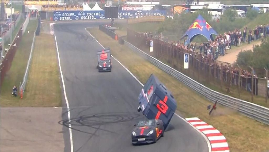 Begini Jadinya Kalau Pembalap F1 Balapan Pakai Karavan