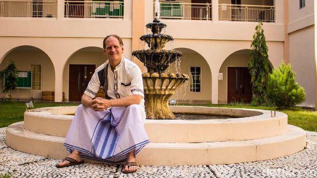 Profesor Robert Cale (Foto: Istimewa)