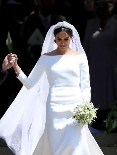 Gaun pengantin Meghan Markle rancangan Clare Waight Keller dari Givenchy.