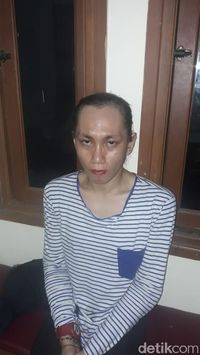 Lelaki 'Cantik' Berjilbab Ini Berhasil Bobol Indekos di Bandung