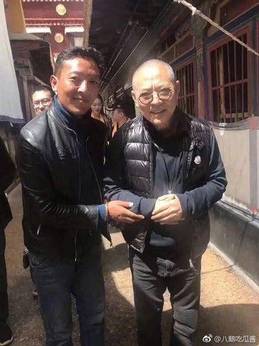 Foto yang diambil seorang fans Jet Li ini viral di media sosial.
