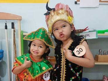 Saat merayakan Hari Kartini kemarin nih. (Foto: Instagram @hada9)