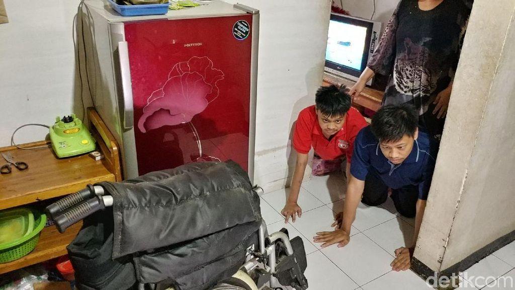 Respon Pemkot Bandung Soal Penjual Risoles Rawat Dua Anak Lumpuh