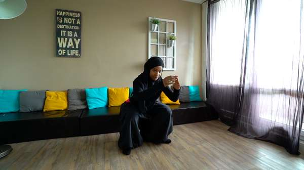 Sylvie Eberena, YouTuber Prancis Inspirator Para Muslimah