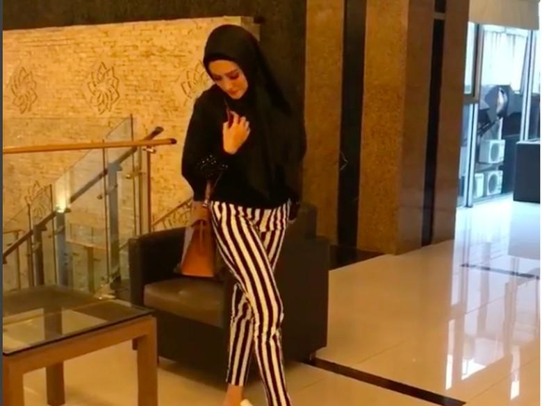 Mulan Jameela Niat Mulai Berhijab Usai Ramadan