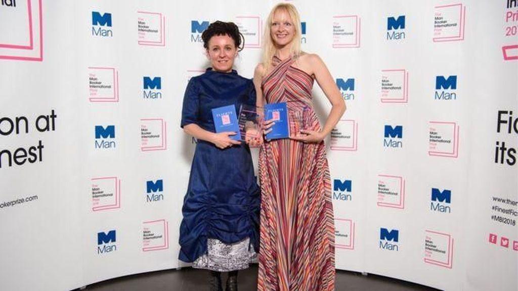 Penulis Polandia Menangkan Penghargaan Fiksi Bergengsi di Inggris