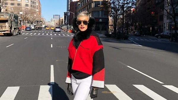Stylish banget kan saat berpose di New York? (Kimmyjayanti/Instagram)