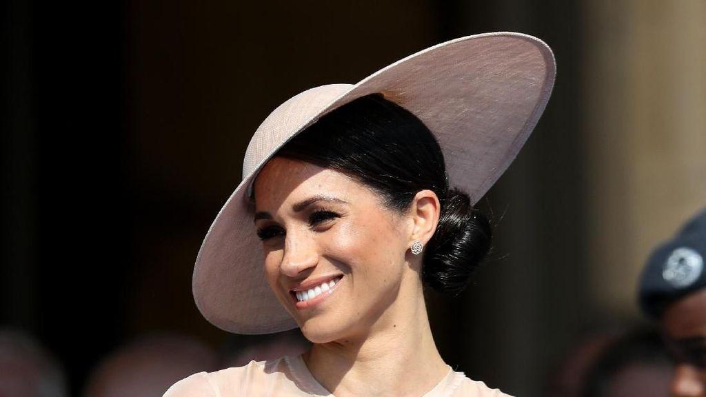 Penampilan Perdana Meghan Markle Jadi Putri Pasca Dinikahi Pangeran Harry