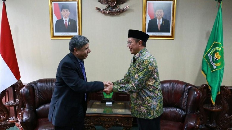 Sidik Jari dan Data Biometrik Jemaah Haji Direkam di Embarkasi