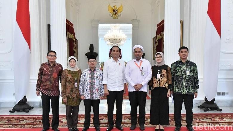 PDIP: Masuk Istana, Ngabalin Sudah Insaf
