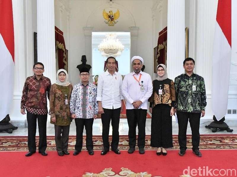 PDIP: Masuk Istana, Ngabalin Sudah Insyaf