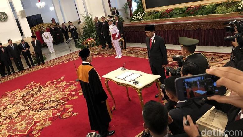 Di Depan Jokowi, Sunarto Ucapkan Sumpah Jabatan Wakil Ketua MA