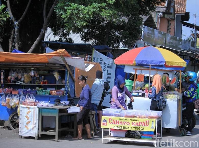 Pasar Tumpah Diprediksi Hambat Lalu Lintas Pemudik di Jabar