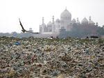 Potret Miris Keindahan Taj Mahal Dikepung Sampah