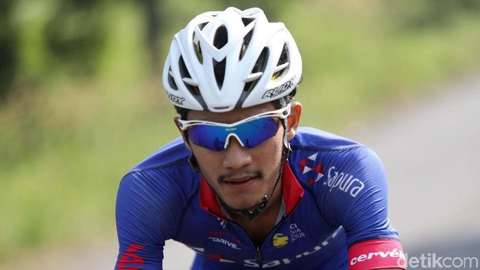 Aiman Cahyadi raih emas SEA Games 2019 Filipina di balap sepeda jalan raya ITT. (Grandyos Zafna/detikSport)