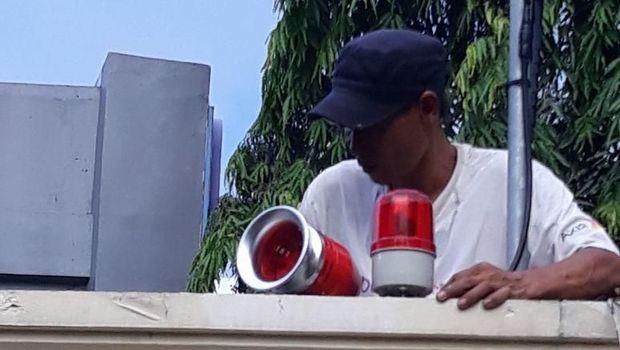 Alarm tanda bahaya dipasang di markas polisi di Jakbar