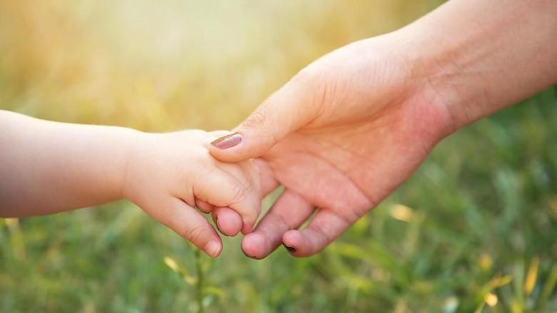 Kisah Ibu Hitamkan Wajahnya Demi Membuat si Kecil Percaya Diri / Foto: thinkstock