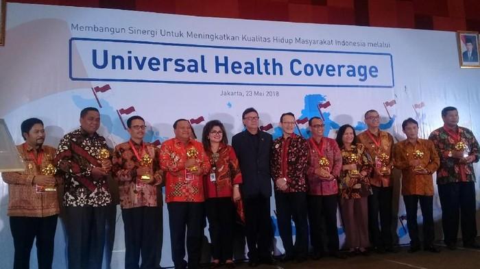 76 persen di wilayah Indonesia raih penghargaan sebagai bentuk apresiasi dari pemerintah karena telah mencapai Universal Health Coverage (UHC). Foto: Frieda Isyana Putri