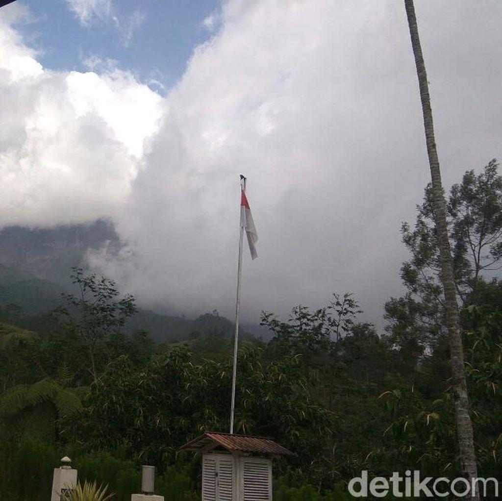 Gunung Merapi Meletus Lagi Siang Ini