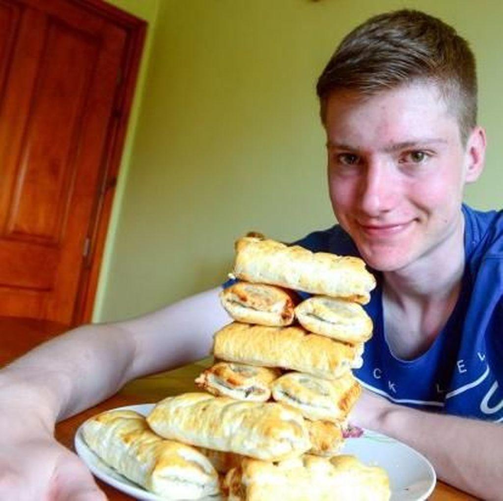 Wah, Remaja Ini Hanya Makan Sausage Roll Selama 15 Tahun!