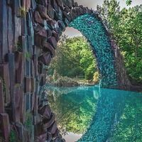Jembatan ini melengkung sempurna (nextdestinationtrip/Instagram)