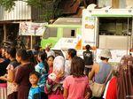 Food Van Ini Layani Pengungsi Merapi Berbuka Puasa