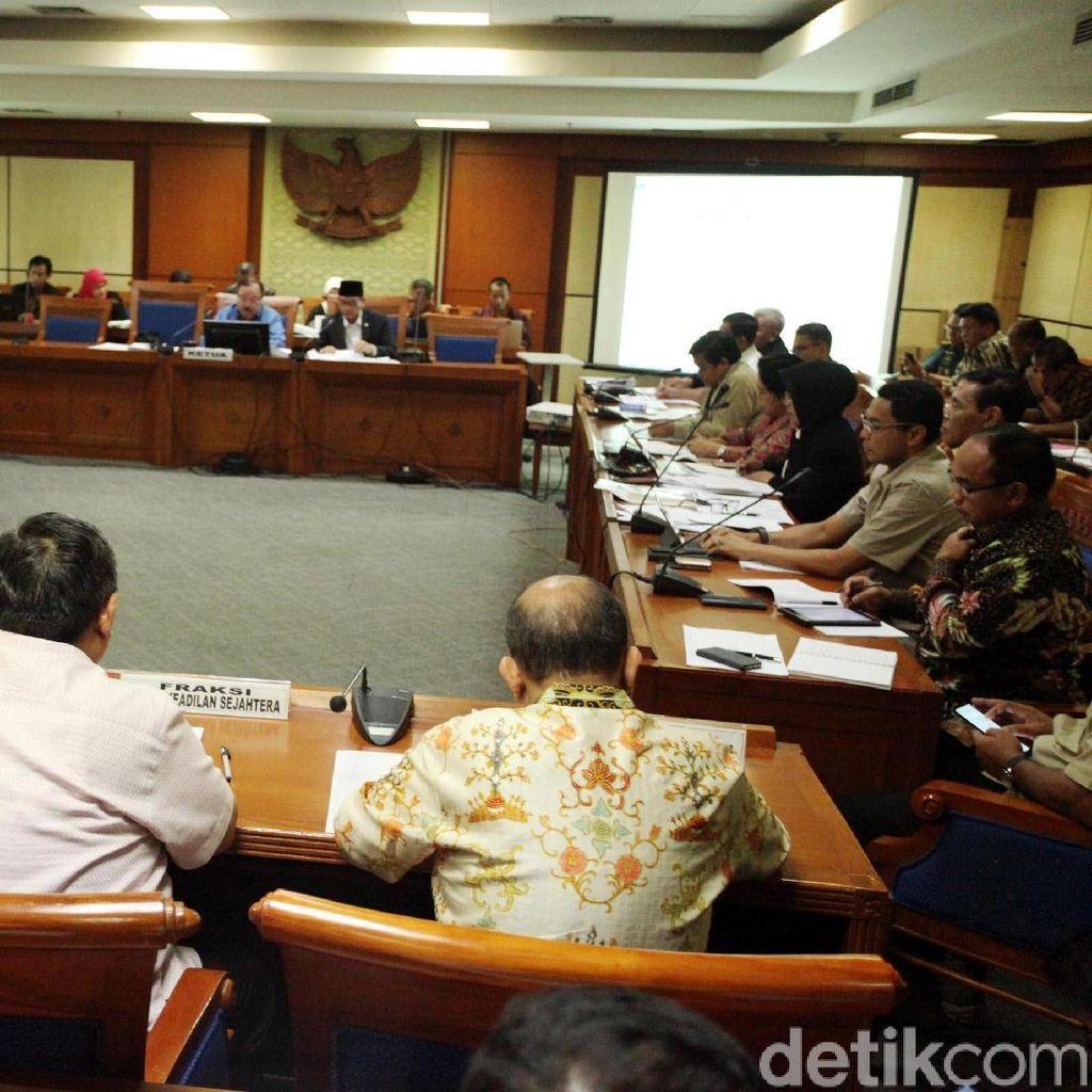 Fraksi DPR Pilih Definisi Terorisme, Pemerintah Belum Memutuskan
