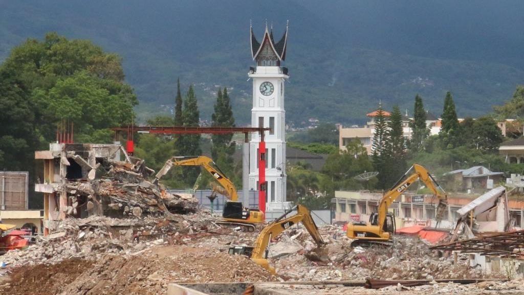 Jokowi Gelontorkan Rp 355 M Renovasi Pasar Atas Bukittinggi