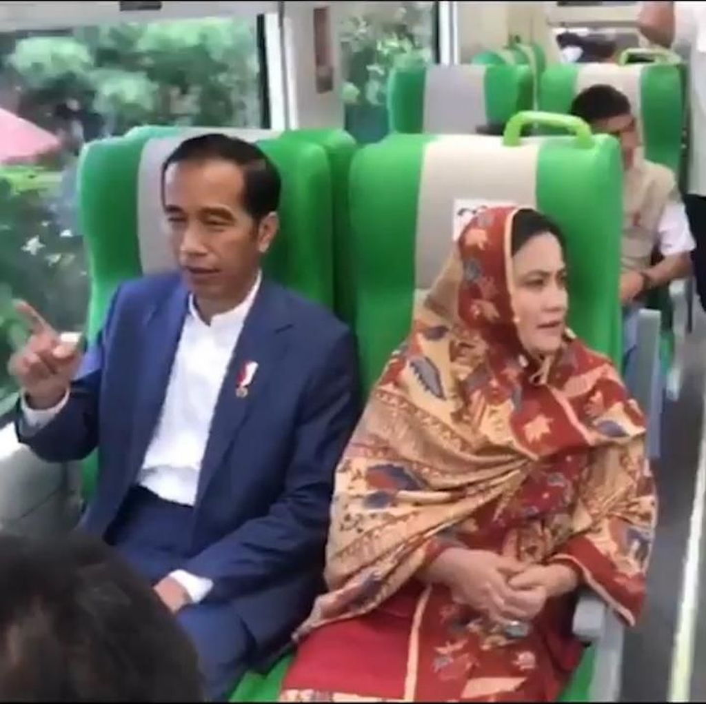 Video Jokowi Jajal Kereta Murah Minangkabau Ekspres