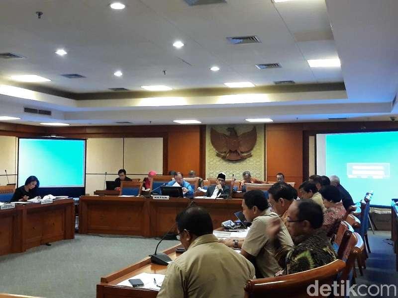 Rapat di DPR, Pemerintah Beberkan 2 Versi Definisi Terorisme