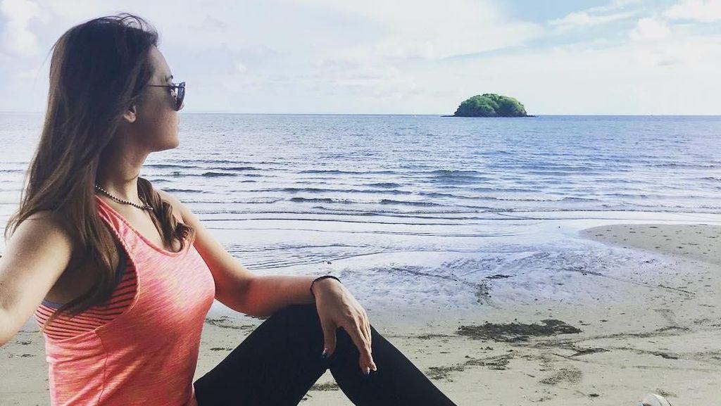 Foto: Gaya Liburan Seksi Maria Ozawa di Filipina