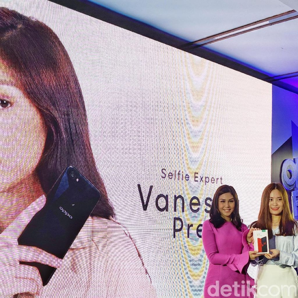 Vanesha Prescilla Jadi Ambassador Oppo F7 Youth
