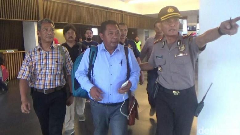 Ironi Dua Anggota DPRD Bercanda Bom Digelandang Polisi