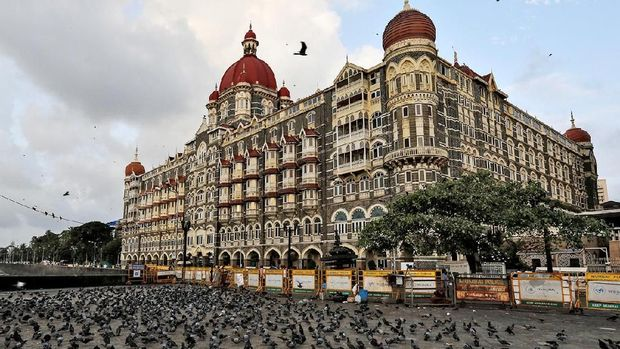 A general view of Taj Mahal Palace hotel is seen in Mumbai, India, August 22, 2016. REUTERS/Danish Siddiqui